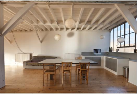 Pareti Di Legno Prezzi : Trasformare le travi in legno del soffitto con l uso del bianco
