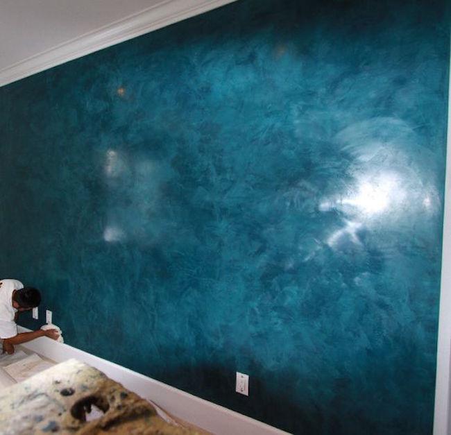stucco veneziano di colore blu