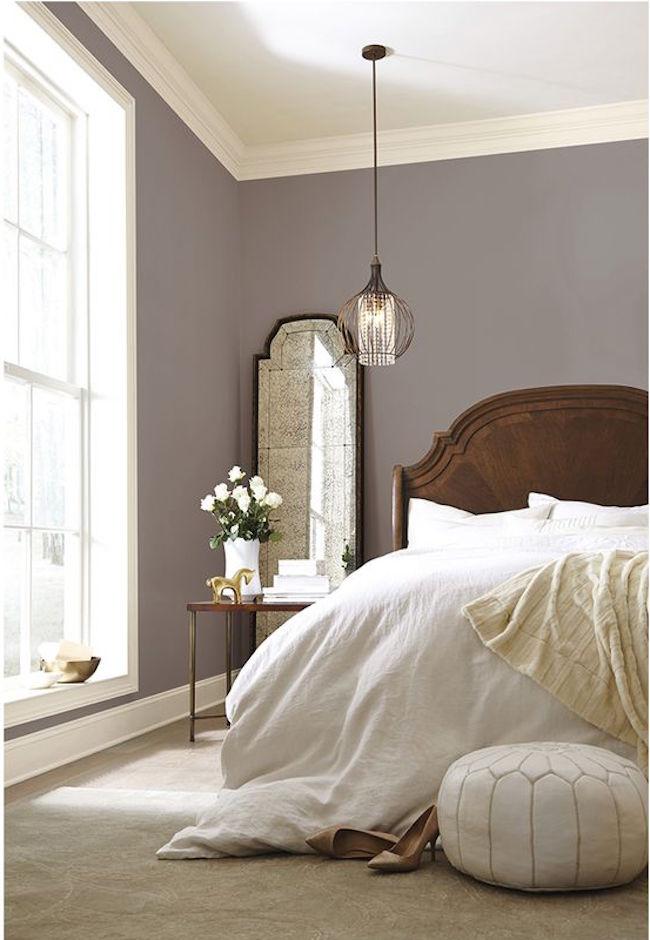Camera matrimoniale con pareti color tortora