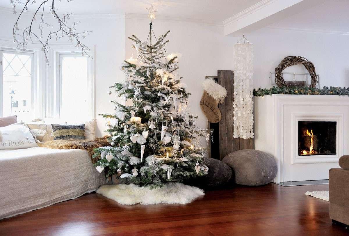 Albero Di Natale Con Decorazioni Blu : Come decorare l albero di natale con decorazioni bianche
