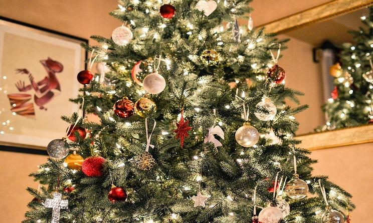 suggerimenti per decorare l'albero di natale - www