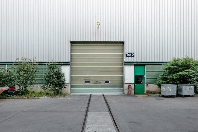 Come applicare una porta basculante nel garage