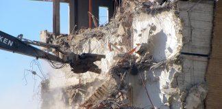 Demolizione degli edifici abusivi