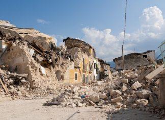 Ricostruire un edificio crollato