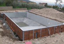 costruzione di una piscina