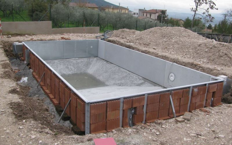 Costruzione di una piscina quali i titoli richiesti - Costruzione piscina interrata ...