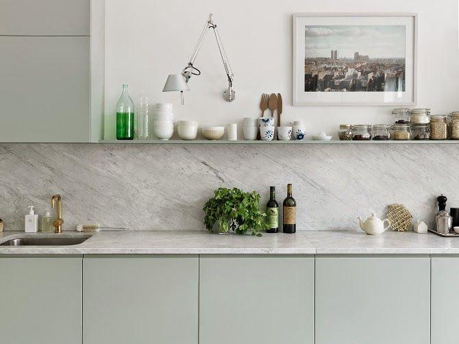 mobile della cucina color verde menta